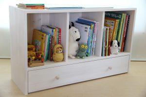 おもちゃ箱付き絵本棚のアクセントカラーをホワイトにした仕様